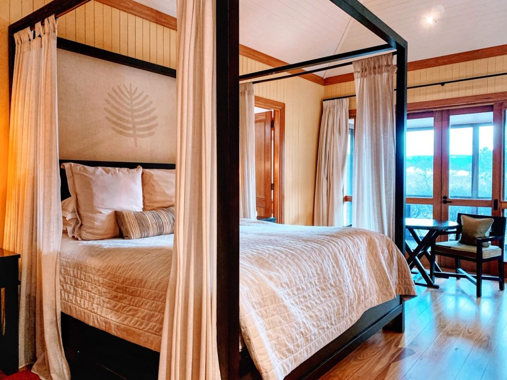 The bedroom in a villa at Emirates One&Only Wolgan Valley